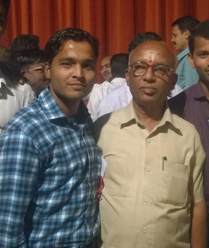 मा.श्री . अशोक कोकाटे महाराष्ट्र राज्य तलाठी संघटना अध्यक्ष सोबत