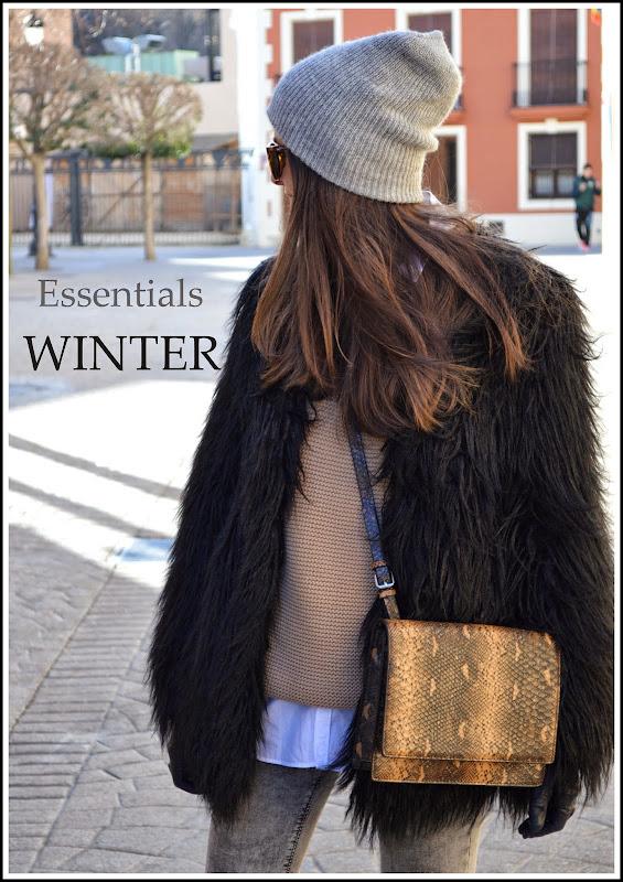 http://lookfortime.blogspot.com.es/2015/02/essentials-winter.html#more