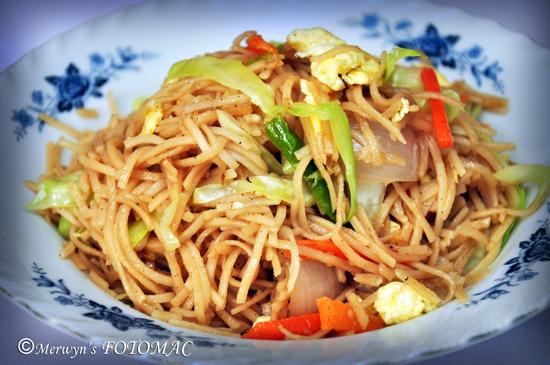 Stir Fried Vegetable Hakka Noodles with Egg - Hilda's Touch Of Spice