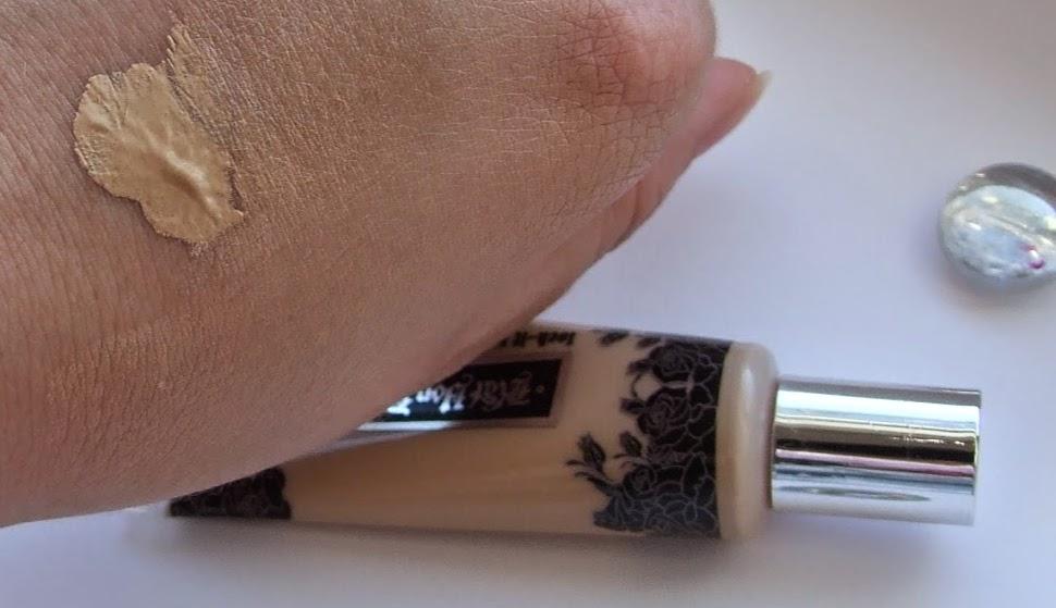 Kat von d lock-it tattoo concealer light swatched swatches