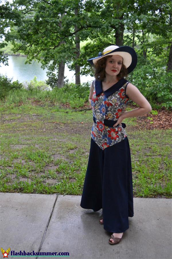 Flashback Summer - 1930s beach pajamas, Wearing History Lounging at the Lido pattern