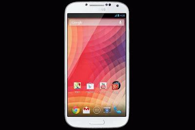 El Galaxy S4 Google Edition. Por lo que hemos conocido del evento mismo, el Google I/O 2013, esta nueva variante del Galaxy S4 no es otra ordinaria, ya que la mayoría de los cambios realizados por la empresa han sido de software, por lo que el hardware y las especificaciones que los hacen un smartphone con Android de gama alta siguen presentes. El cambio principal realizado en el mismo es su leve orientación a un Nexus. Esto se debe a que, a diferencia de la saga de Nexus, el Galaxy S4 original carecía (hasta su desbloqueo por parte de desarrolladores)