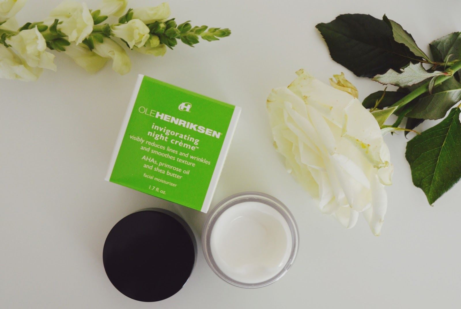 Ole Henriksen Invigorating night creme review, FashionFake, beauty bloggers, anti ageing night creme