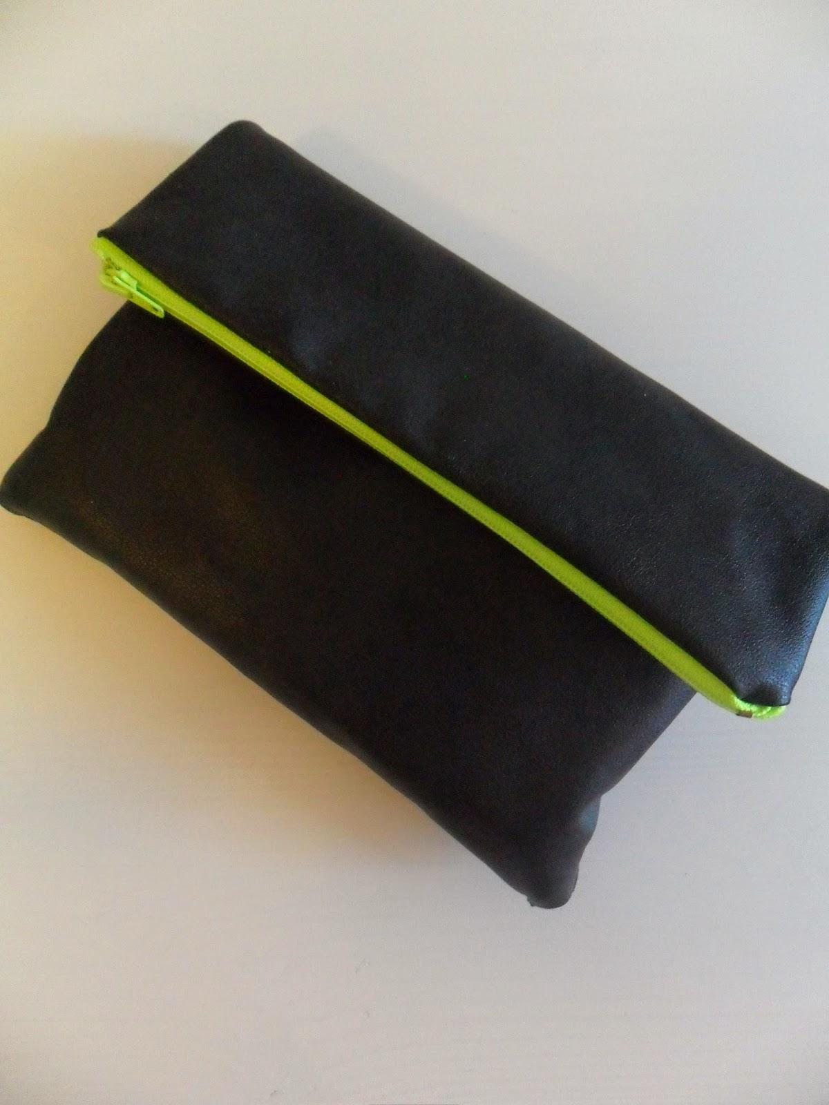 Nahkalaukku Ohje : Tuunaus tilkku ja tyyny teko nahkalaukku ohje