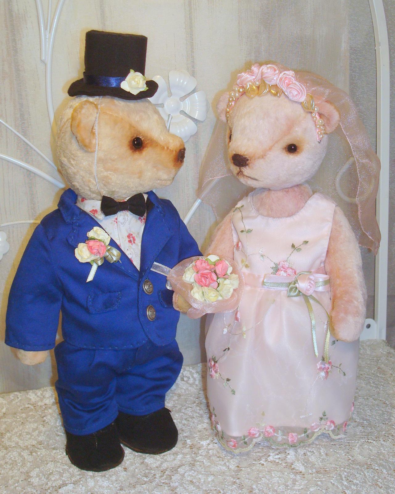 Свадебные мишки Тедди: варианты использования, пошив наряда для игрушки