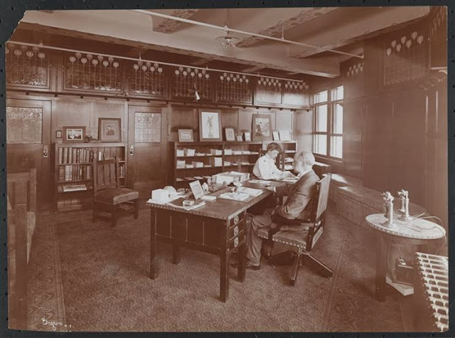 Private editorial office, Delineator magazine c. 1904 (From the Collections of the Museum of the City of New York)