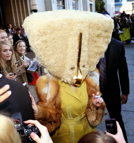 Crazy What Lady Gaga Scary Headdress