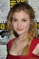 Skyler Samuels The Nine Lives of Chloe King Panel during 2011 Comic-Con