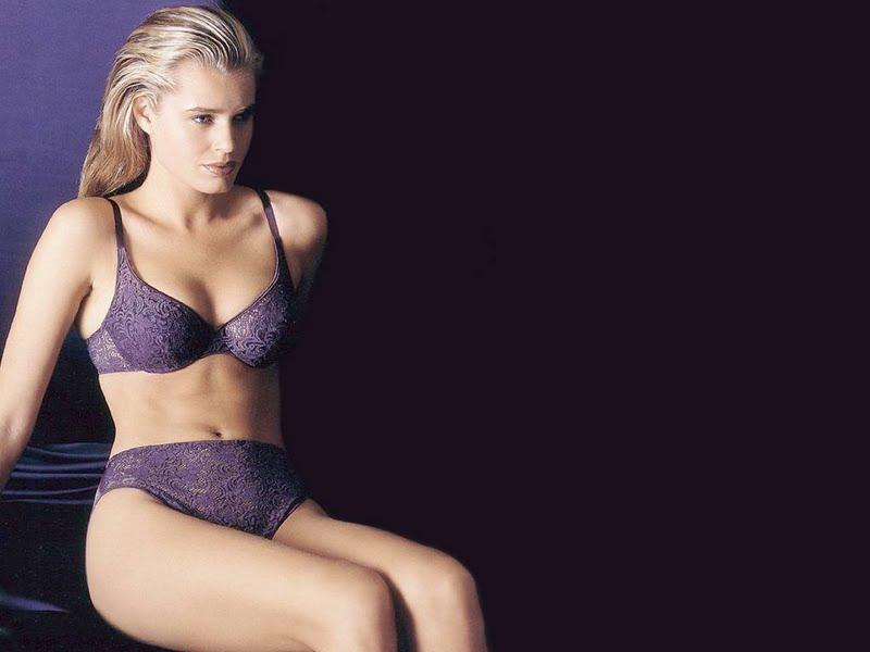 emotionfun: Rebecca Romijn Hot Wallpapers