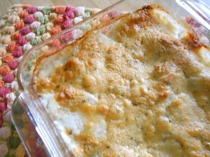 Ally's Sweet and Savory Eats: Parmesan Potatoes Au Gratin