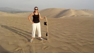 Sandboarding_In_Peru