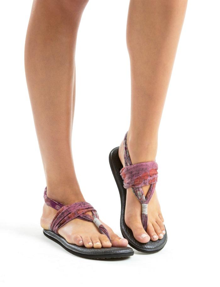 Sanuk Debuts Yoga Mat Sandals At Beyond Yoga Fashion