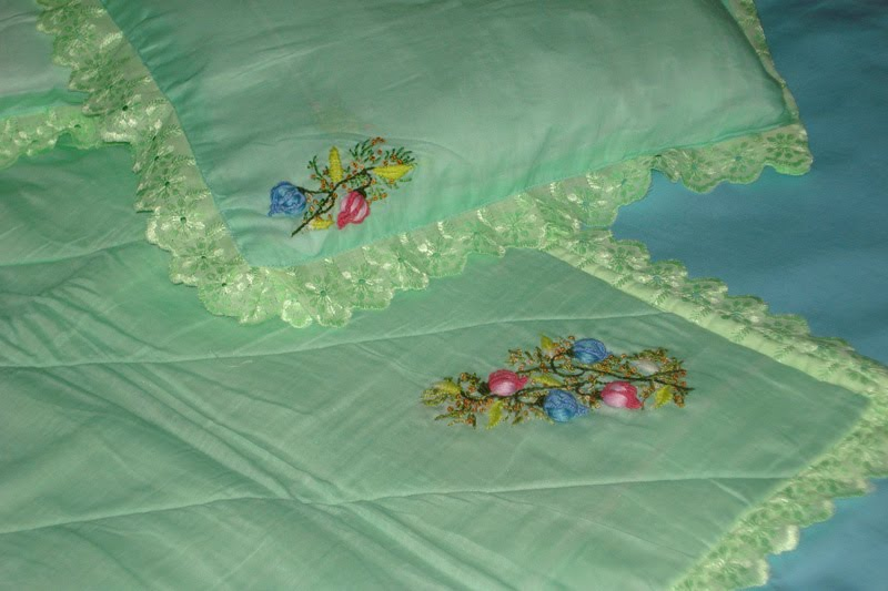 Brazilian Embroidery Cot Sheet Set