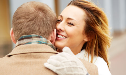 Reasons You should not Date a Married Woman,woman hug man
