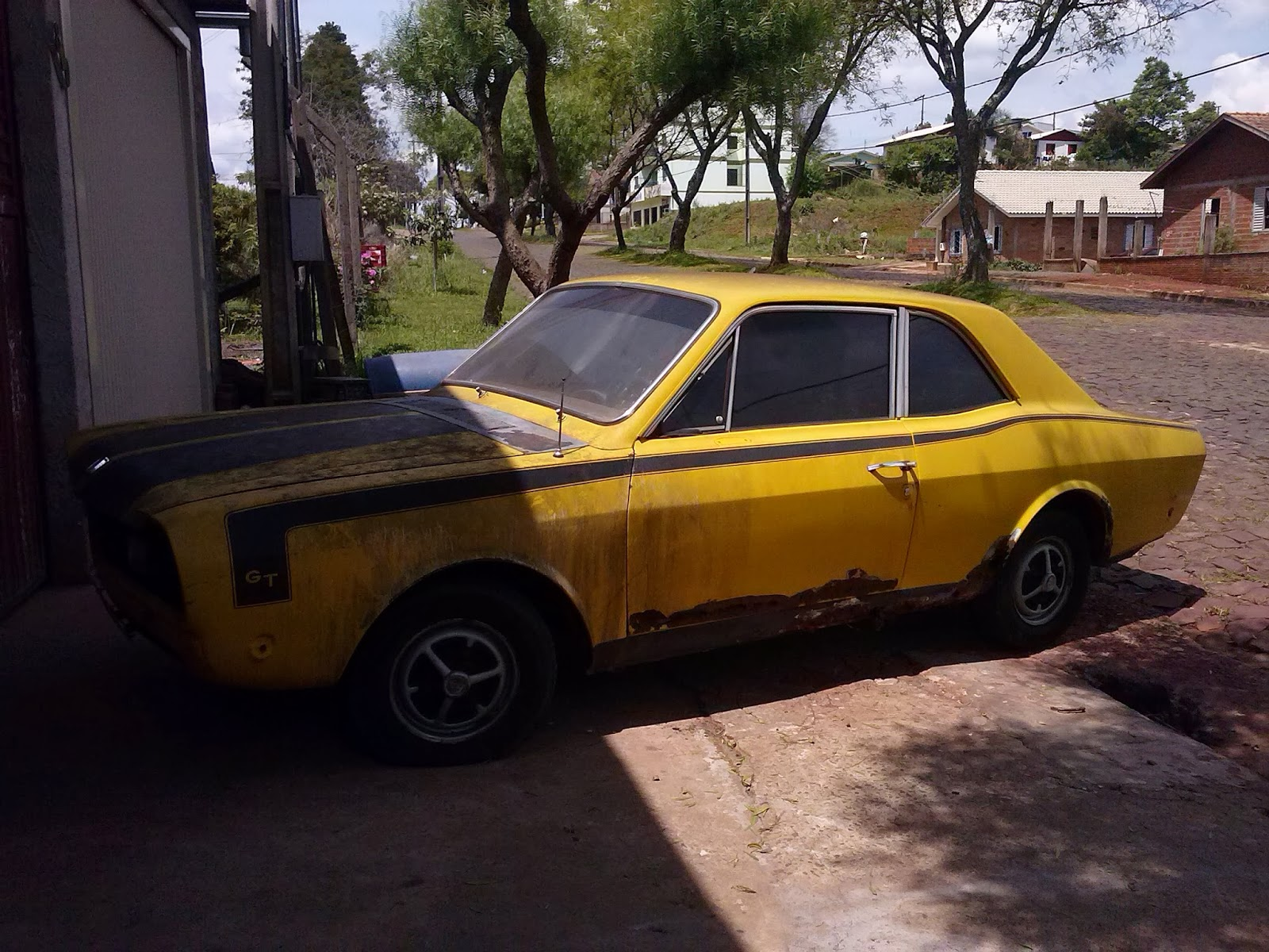 Carros Antigos Restaurados e Modificados : CORCEL GT 1975 Pronto para