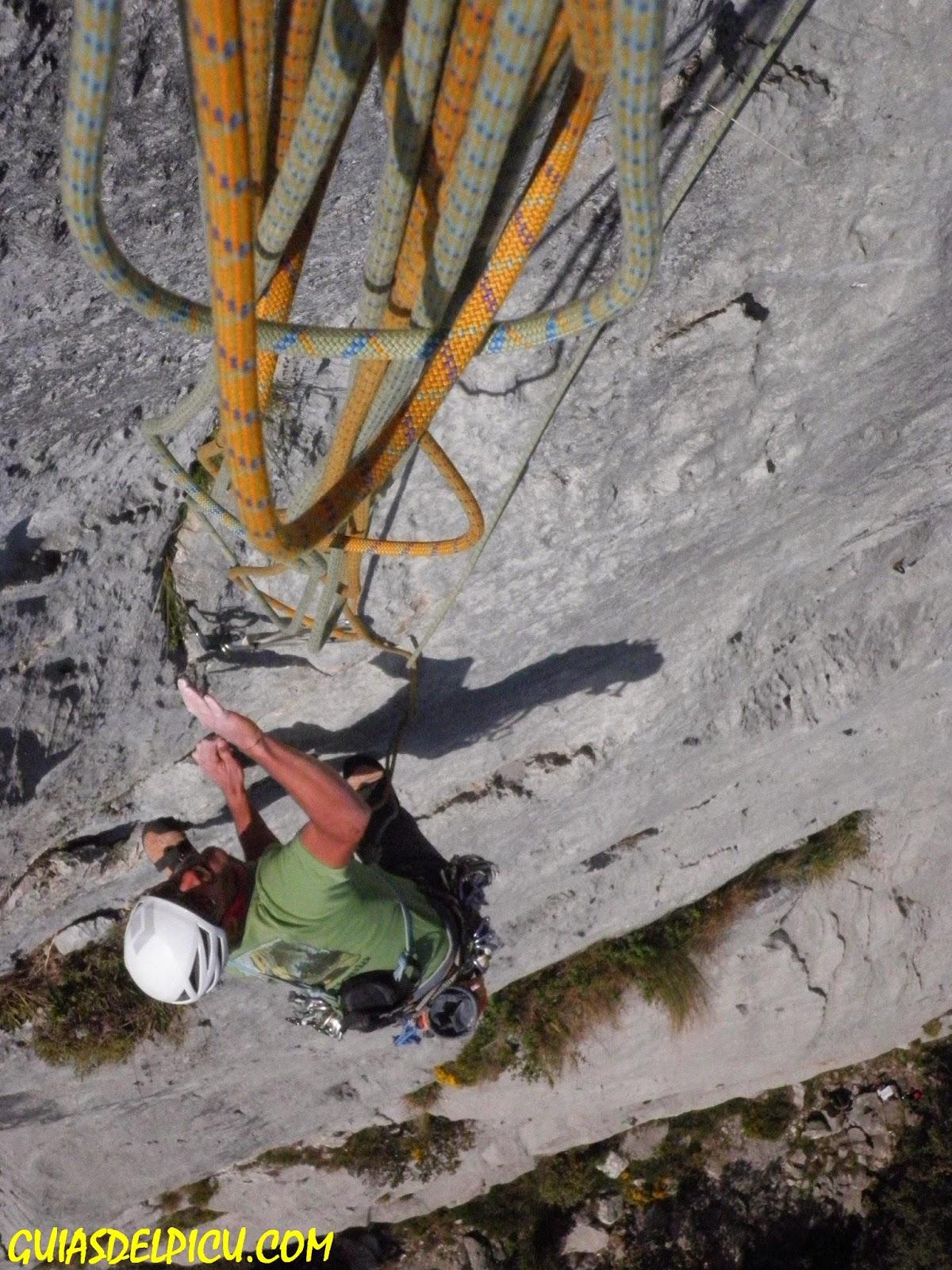 Guias de monataña para escalar en los Picos de europa, guiasdelpicu.con , Fernando Calvo Gonzalez