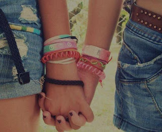 A amizade verdadeira é que nem primeiro beijo, a gente nunca esquece!