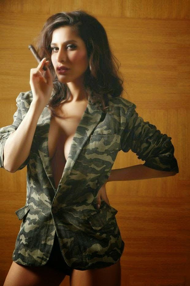 Sophie Choudry Latest Hot Mandate Magazine Photos