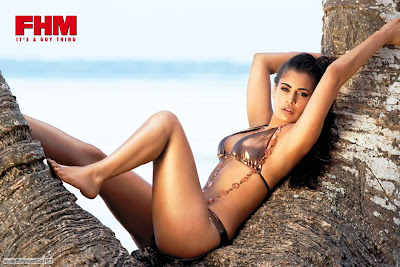 Shashi+Naidoo+bikini+-+BollywoodGo+(2)