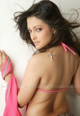 Raima Sen backless