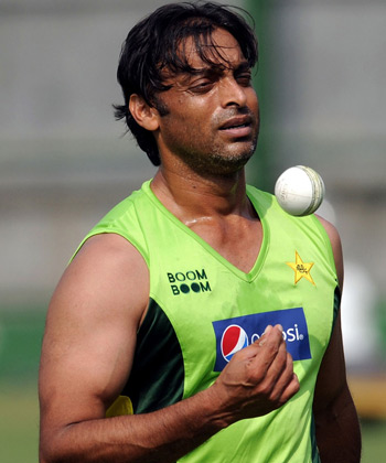 Shoaib Akhtar Girlfriend http://thecricketprofile.blogspot.com/2012/07/new-shoaib-akhtar-wife-photos-and-body.html