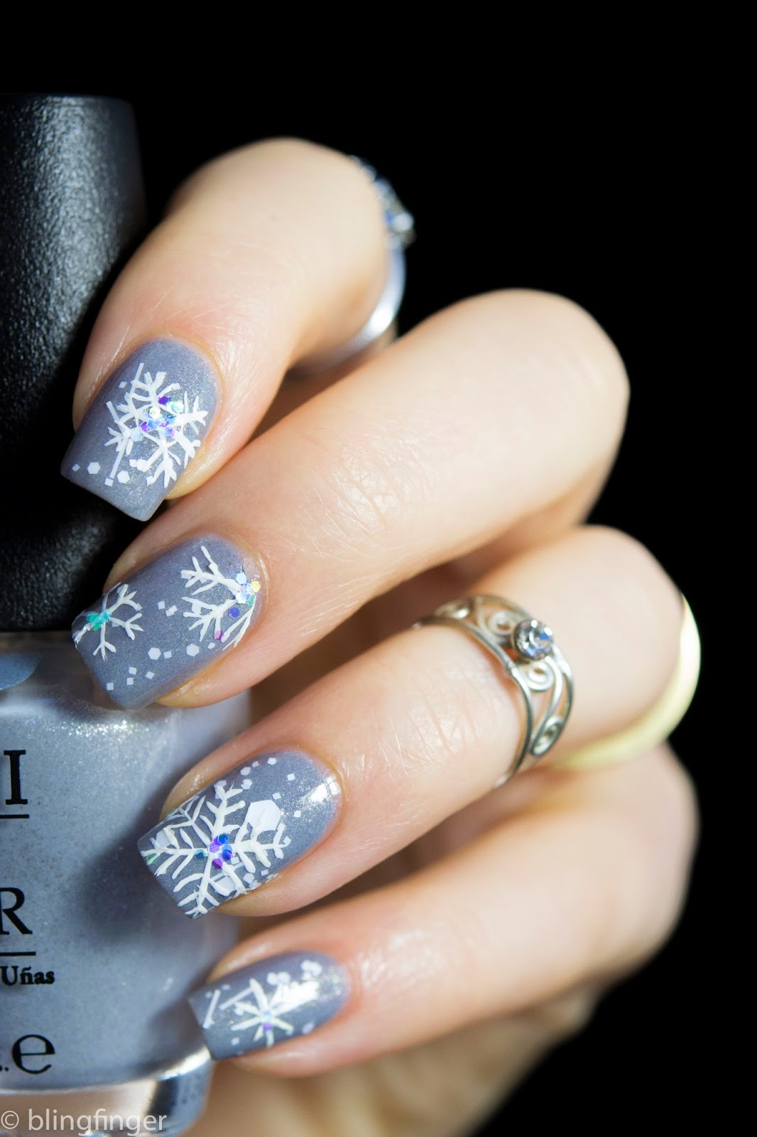 Blingfinger: Snowflake Winter Nail Art