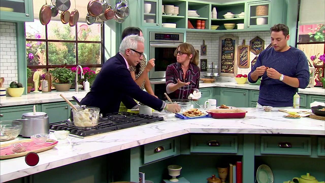 The Kitchen Show Love Lake Living The Kitchen.