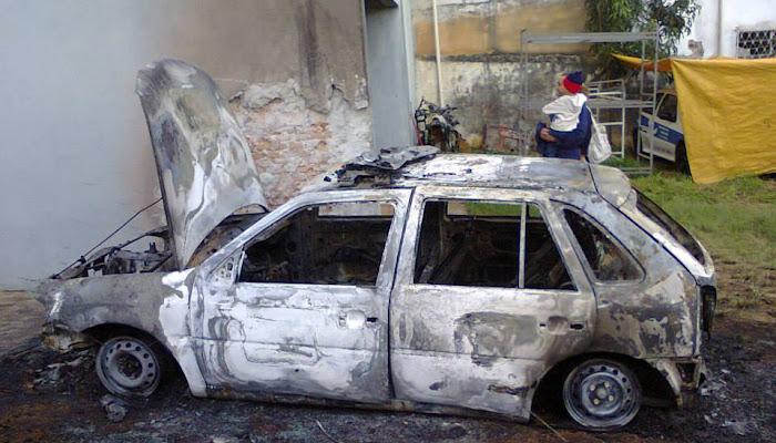 Explosão na viatura da policia militar  VEJA AS FOTOS