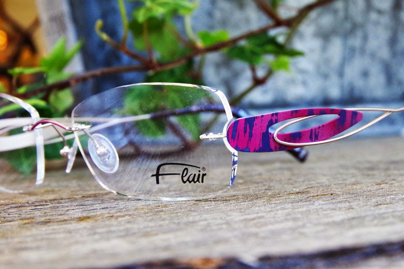超軽量ふちなしメガネ、フレアー