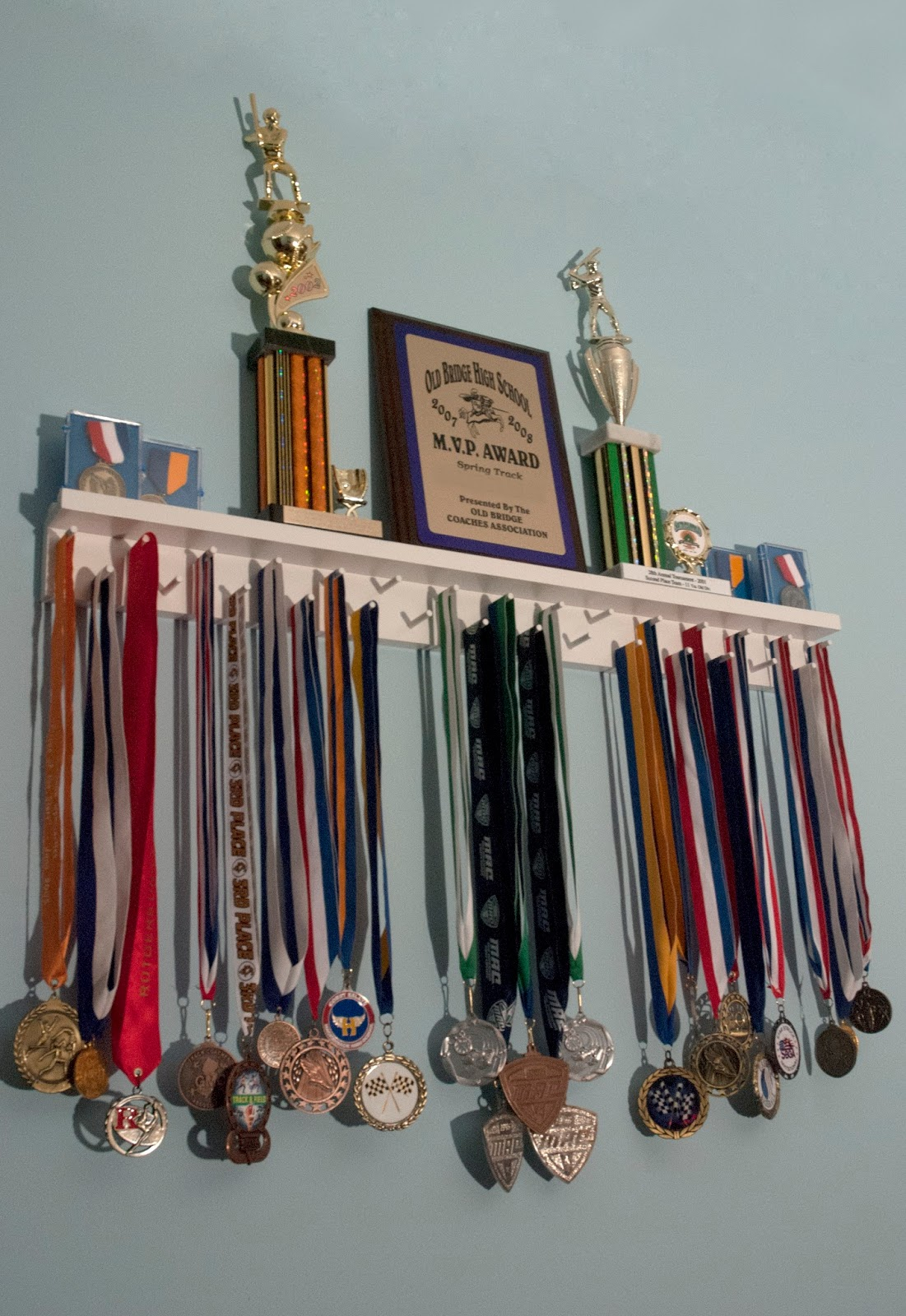 Medal and trophy display cabinets - edgarpoe.net.
