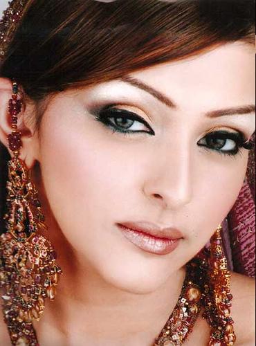 A Creative Life: indian bridal makeup pictures