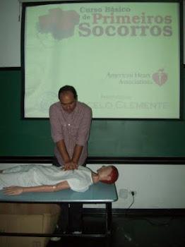 Prof. Marcelo ministrando em cursos de Primeiros Socorros