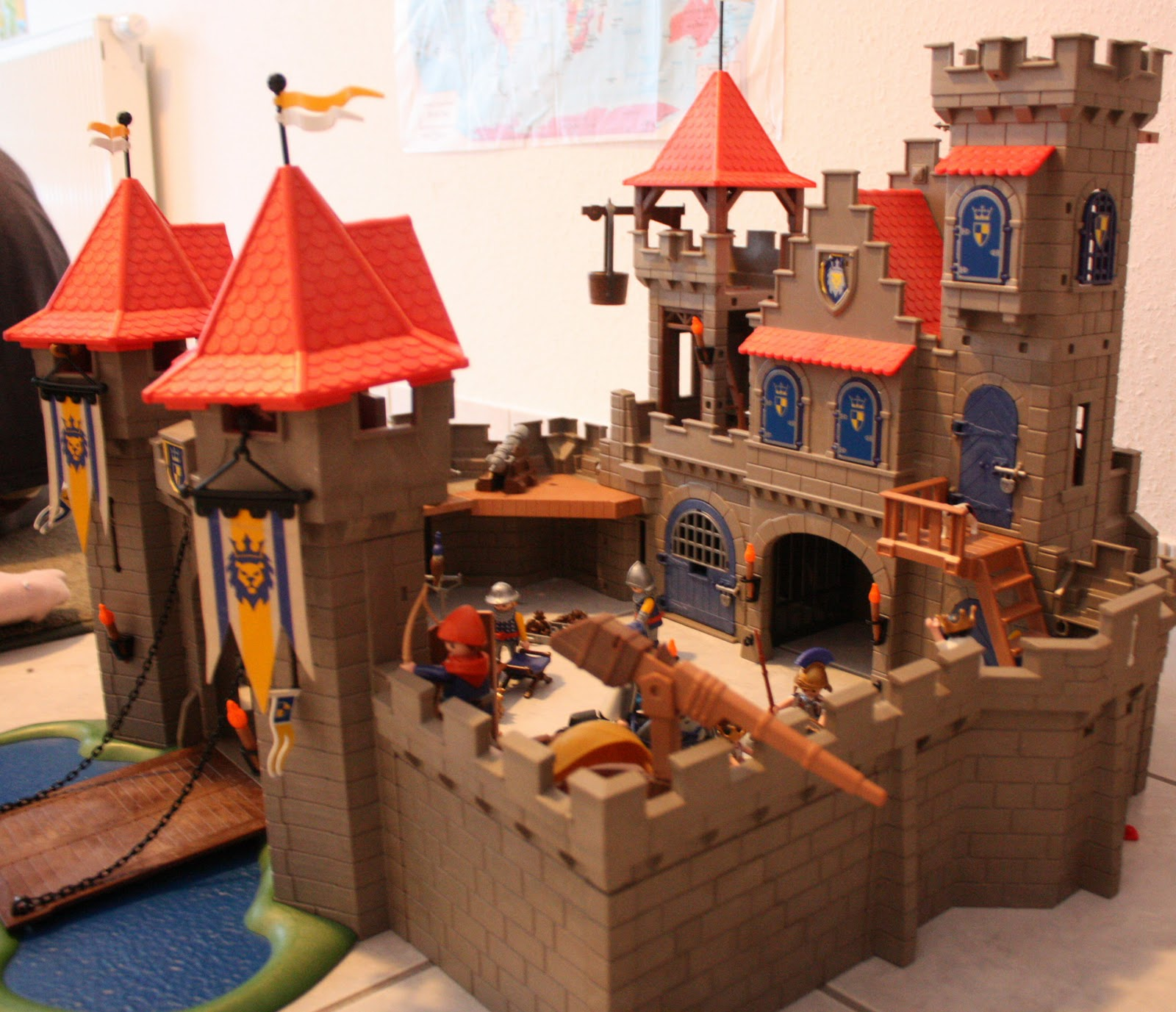 Toy Castles For Boys : Five far from home sarah s quilt and assorted toys