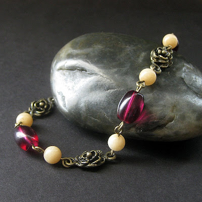 Rose Bracelet in Honey Jade and Bronze