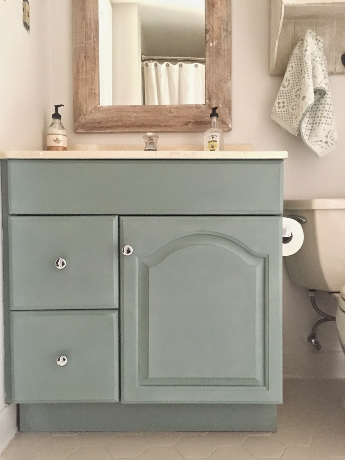 Annie sloan chalk paint bathroom cabinets - I Just Wiped The Entire Cabinet Down And Then Started Painting Afterwards I Sealed It With Annie Sloan Wax