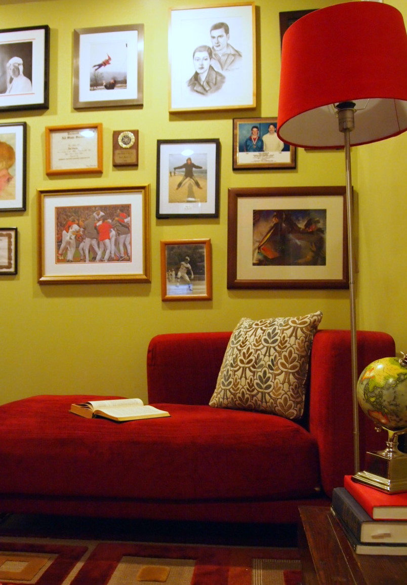 LoveYourRoom: How To Create a Photo Gallery On Your Wall
