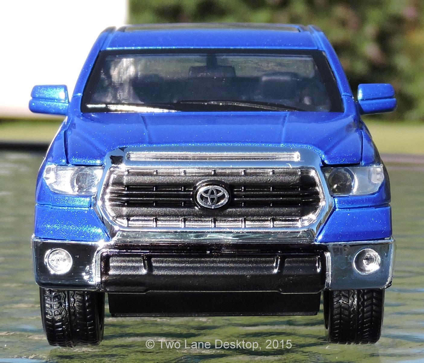 Truck Toyota: Two Lane Desktop: Kingsmart 1:32 Toyota Tundra Crewmax Pickup