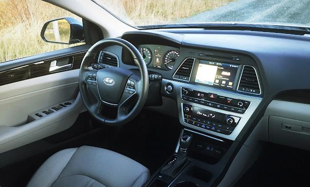2016 Hyundai Sonata Hybrid Limited interior