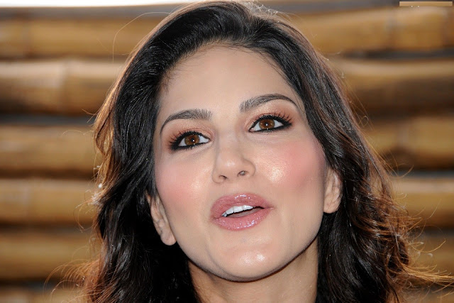 Fantastic Images of Ex Porn Star actress Sunny Leone