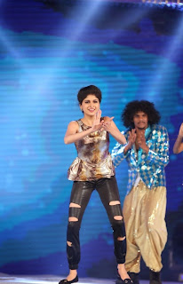 Actress Naveena Dance Performance at Gama Awards Pictures Stills Gallery 6