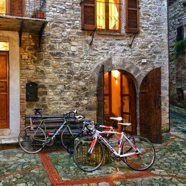 cycling holidays in umbria