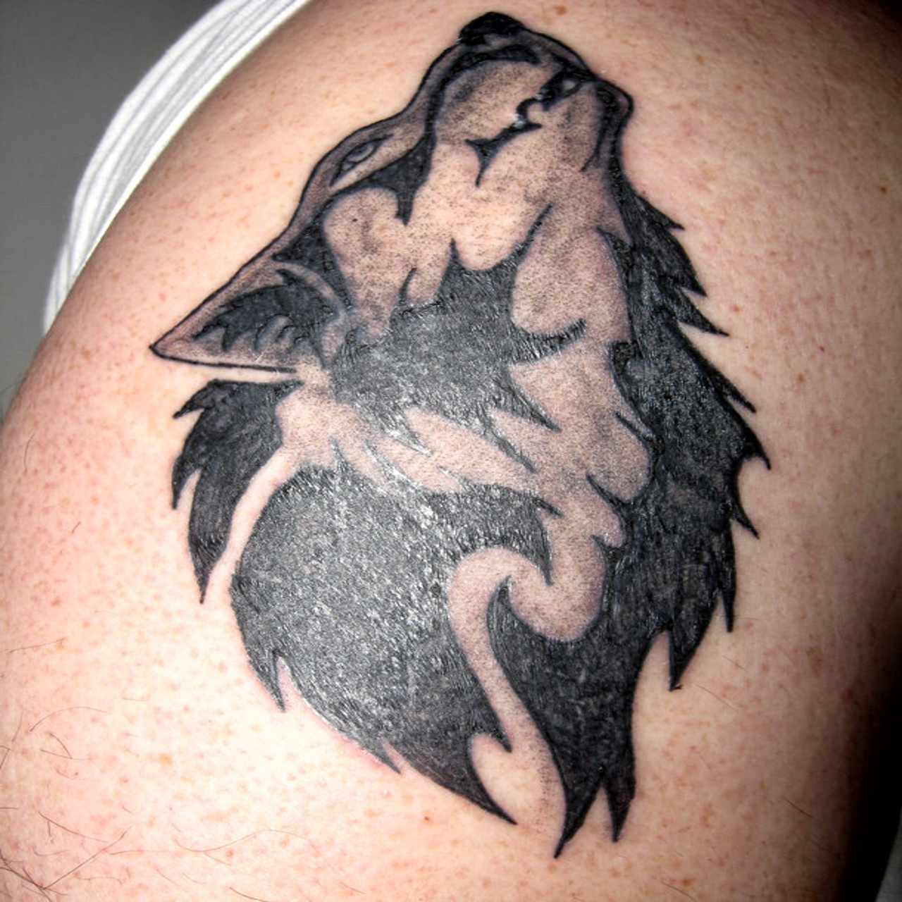 top wolf tattoos for girls images for pinterest tattoos. Black Bedroom Furniture Sets. Home Design Ideas