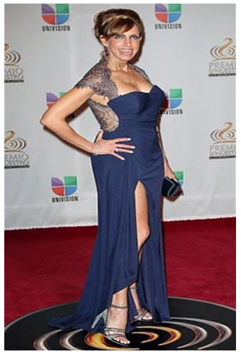 lili estefan pics en vestido elegante azul