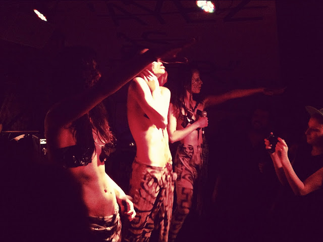 stage TRIPPPLE NIPPPLES PRIVATE SHOW AT PANIC ROOM PARIS