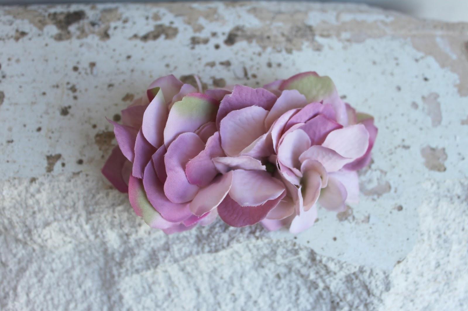 pasador clair hortensias de tela en varios tonos de rosa