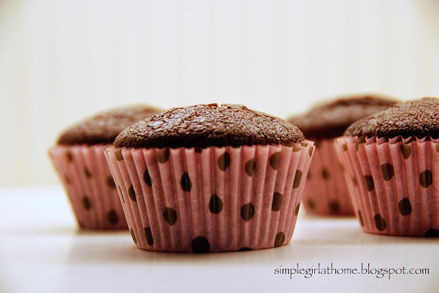 Simple Girl: Vegan Chocolate Cupcakes