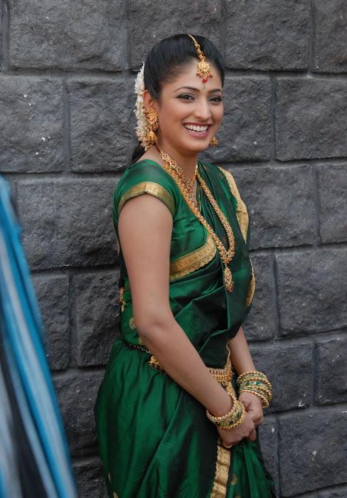 hari priya in saree photo gallery