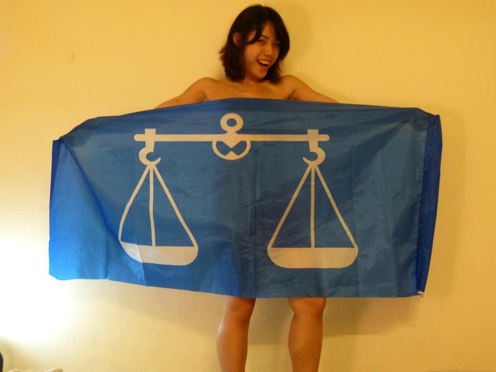 Wanita Bogel Bendera BN Bersama Nurul Izzah...Apakah Ini Sandiwara PR ...