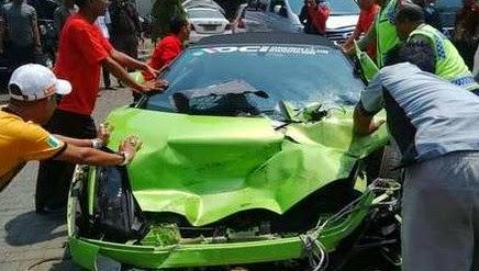 Polisi Buru Sopir Bus Pariwisata yang Terlibat Kecelakaan dengan Lamborghini Hotma Paris
