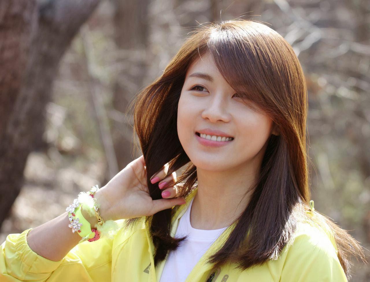 الممثلة Ha Ji Won تتحضر وسط جدولها المزدحم  title=